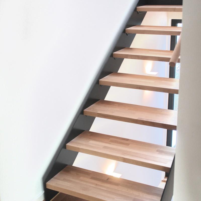 stahl holztreppe 4 middendorf. Black Bedroom Furniture Sets. Home Design Ideas