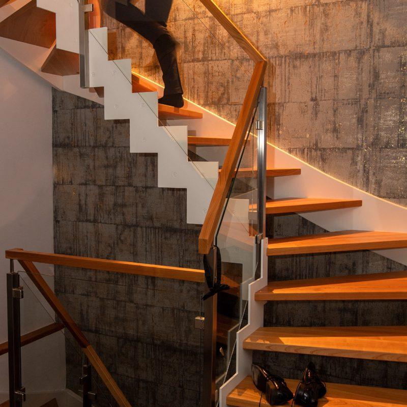 Stahl-Wangentreppe, stufenförmig